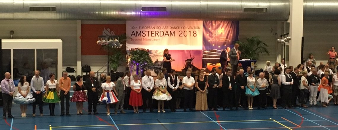 2000 dancers from 24 countries gather to celebrate American square dancing in Amsterdam