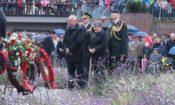 Ambassador Hoekstra and Canadian Ambassador Sabine Nolke lay a wreath in Arnhem